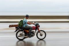 哈瓦那,古巴- 2017年10月21日:摩托车在哈瓦那,古巴 库存图片