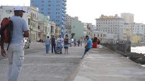 哈瓦那,古巴- 2017年10月20日:有人的哈瓦那老镇 影视素材