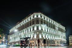 哈瓦那,古巴- 2017年10月24日:格兰特旅馆Manzana Kempinski旅馆在哈瓦那,古巴 海湾桥梁加州弗朗西斯科晚上圣时间 免版税库存照片
