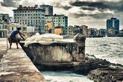 哈瓦那,古巴- 2016年10月24日 投掷在Hava的人鱼网 库存图片