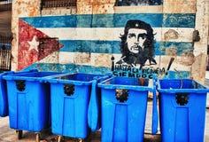 哈瓦那,古巴- 2016年10月24日 显示a的五颜六色的街道街道画 免版税库存照片