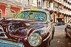 哈瓦那,古巴- 2016年7月12日 葡萄酒经典美国汽车, comm 免版税库存图片