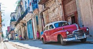 哈瓦那,古巴- 2016年9月16日 葡萄酒经典美国汽车, comm 免版税库存图片