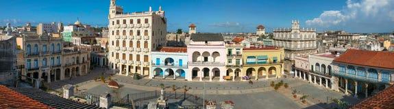 哈瓦那, CUBA-JULY 26,2006 :老正方形的顶视图在哈瓦那广场Vieja 免版税图库摄影