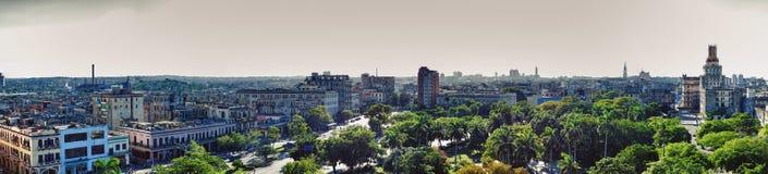 哈瓦那从萨拉托加旅馆的市地平线全景在C附近 免版税库存照片