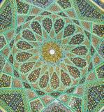 哈菲兹陵墓,设拉子,伊朗的富有的马赛克样式 库存照片