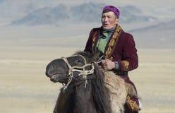 哈萨克人老鹰猎人画象2 免版税库存图片