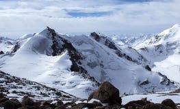 哈萨克斯坦山  高峰青年时期 库存照片