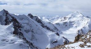 哈萨克斯坦山  高峰青年时期 图库摄影