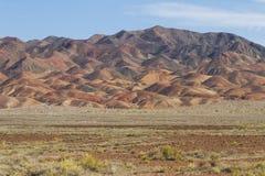 哈萨克斯坦极端地形有火山的形成的 免版税库存图片