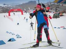 哈萨克斯坦,阿尔玛蒂- 2018年2月25日:阿尔巴滑雪费斯特的非职业速度滑雪竞争2018年 参与者 图库摄影