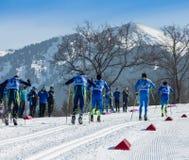 哈萨克斯坦,阿尔玛蒂- 2018年2月25日:阿尔巴滑雪费斯特的非职业速度滑雪竞争2018年 参与者 免版税图库摄影