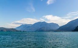 哈里逊温泉城村庄的加拿大湖 免版税库存照片