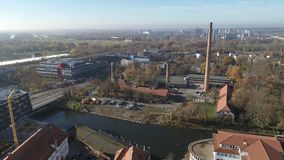 哈雷萨勒河4K盐老的工厂的寄生虫射击天线  股票录像