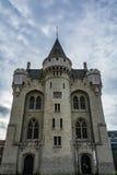 哈雷门在布鲁塞尔在一多云天,比利时 免版税库存照片