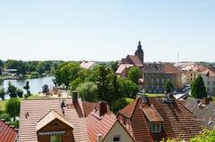 哈费尔贝尔格都市风景和哈弗尔河 在背景中churc 库存照片