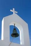 响铃和十字架,希腊 库存照片