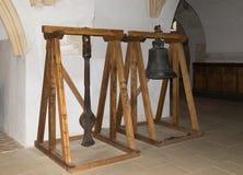 响铃和垂悬在立场垂悬在成交圣尼古拉斯的教会里在城堡的在耶路撒冷旧城 Sighisoara市 图库摄影
