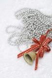 响铃圣诞节红色丝带 库存图片