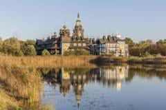 响铃宫殿的美好的反射在吉夫霍恩县,德国 库存图片