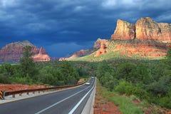 响铃岩石的风景视图在处理的thunde的 库存照片