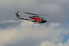 响铃AH-1在拉多姆飞行表演期间的眼镜蛇显示2013年 免版税图库摄影