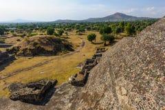 哥伦布发现美洲大陆以前城市特奥蒂瓦坎,墨西哥金字塔的废墟  免版税图库摄影