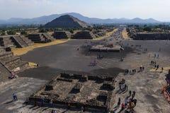 哥伦布发现美洲大陆以前城市特奥蒂瓦坎,墨西哥金字塔的废墟  图库摄影