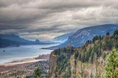哥伦比亚峡谷俄勒冈河风景视图 免版税库存图片