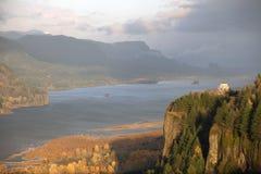 哥伦比亚峡谷多暴风雨的天气 免版税库存照片