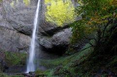 哥伦比亚峡谷河瀑布 免版税库存图片