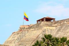 哥伦比亚的旗子,卡斯蒂略圣费利佩在卡塔赫钠,哥伦比亚 免版税库存照片
