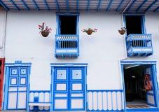 哥伦比亚, Coffe地区,街道在Salento村庄 免版税库存图片