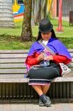 哥伦比亚guambino印第安鸣鸟妇女 图库摄影