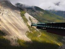 哥伦比亚Icefields Skywalk冰川 免版税库存照片