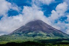哥斯达黎加的阿雷纳尔火山 免版税库存照片