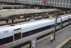 哥本哈根中央火车站的火车乘客 图库摄影