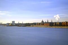 哥本哈根丹麦 从厄勒海峡海峡的外视图 免版税库存照片