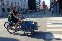 哥本哈根典型的自行车 免版税库存照片