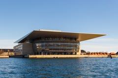 哥本哈根歌剧院的看法 免版税库存照片