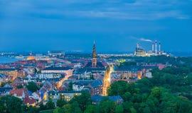 哥本哈根独特的都市风景,地平线在晚上 库存照片