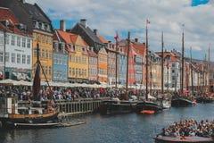 哥本哈根美丽的街道城市 免版税库存图片