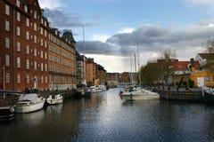 哥本哈根运河与小船的水视图 库存图片