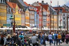 """哥本哈根,丹麦†""""2016年8月14日:小船在船坞Nyh 库存图片"""