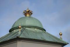 哥本哈根,丹麦-一个被加冠的大厦 库存图片