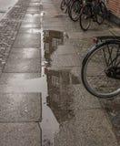哥本哈根,丹麦-大厦的反射 免版税库存照片