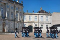 哥本哈根,丹麦- 2017年4月30日:在铈期间的皇家卫兵 免版税图库摄影