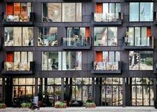 哥本哈根,丹麦- 2018年10月7日:现代公寓 免版税库存图片
