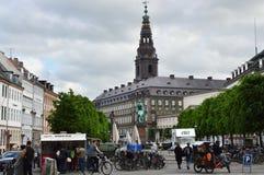 哥本哈根,丹麦- 2017年5月31日:大街在Strøget,步行者,汽车自由商店地区在哥本哈根 库存图片