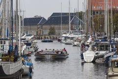 哥本哈根,丹麦- 9月8 :有小船的哥本哈根运河 库存照片